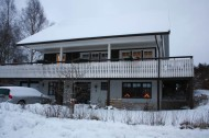 Systers nya hus i vinterskrud